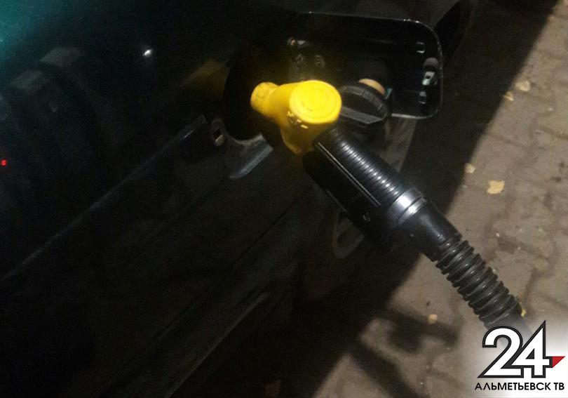 В русских областях начал дорожать бензин