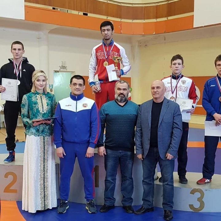 Альметьевские спортсмены погреко-римской борьбе завоевали награды